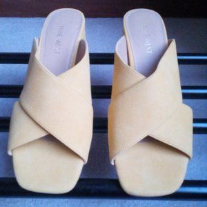 NINE WEST Women Suede-Like Finish Sandals NEW